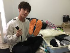 Jin ❤ [BTS Trans Tweet] 정글의 법칙 in 코타마나도 1월 6일 밤 10시 첫방송!! 저는 아미밤을 좋아하니 아미밤을 들고갔죠 하하 참 유용하게 썼습니다 / Law of The Jungle in Kota Manado first broadcast on January the 6th at 10pm!! I like ARMY bombs so I took my ARMY bomb with me haha I used it well (WATCH LAW OF THE JUNGLE PEOPLE) #BTS #방탄소년단