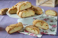 Come preparare dei deliziosi biscotti da sgranocchiare o da inzuppare, perfetti anche come regalo.