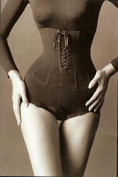 Jeanloup Sieff, Corset, New York, 1962