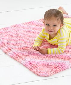 Cuddle Bug Baby Blanket Free Knitting Pattern from Red Heart Yarns
