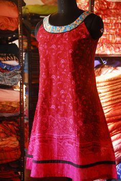 Dress Round Neck (DRN): S - XL
