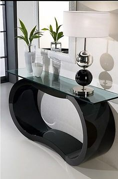 The Best Contemporary Console Tables for Your Living Room The best of luxury Console Table Design in a selection curated by Boca do Lobo to inspire interior designers looking to finish their projects. Luxury Interior, Luxury Furniture, Furniture Decor, Furniture Design, Console Table Living Room, Modern Console Tables, Decoration Hall, Console Design, Interior Design Inspiration