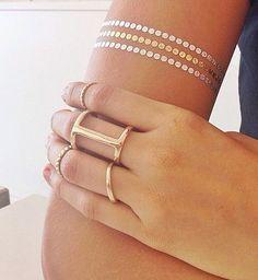 Beyoncé and 25 Real Girls Show Off Their Chic Flash Tattoos Flash Tattoos, Silver Tattoo, Metal Tattoo, Cuff Tattoo, Girls Showing Off, Tattoo Motive, Jewelry Tattoo, Makeup Tattoos, Permanent Tattoo