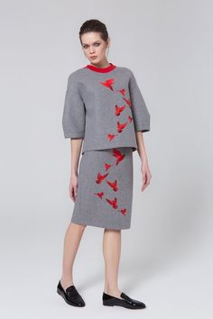 See the complete Lela Rose Pre-Fall 2016 collection. Unique Fashion, Fashion Looks, Fashion Design, Fashion Brand, Luxury Fashion, Skirt Fashion, Fashion Outfits, Color Combinations For Clothes, Suits For Women