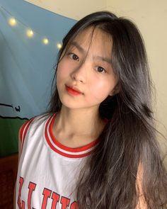 Korean Girl Photo, Cute Korean Girl, Cute Girl Photo, Classy Aesthetic, Aesthetic People, Aesthetic Girl, Girl Pictures, Girl Photos, Teen Girl Photography