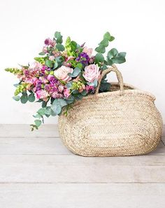 discover the secrets of creating the most beautiful contemporary flower arrangements with baskets of flowers and simple hand-tied ideas with Philippa Craddock flowers - London's go-to florist. Click through to find out all you need to know