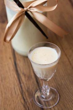 Vanillelikör, Vanille-Likör, Vanillelikör selber machen, Rezept, Thermomix, Rum, Vanillesoße Weihnachten