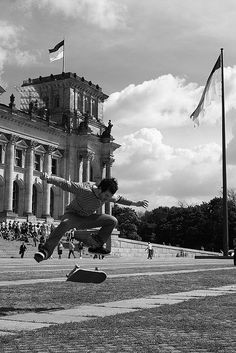 #berlin #reichstag #skateboarders #germany