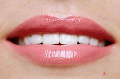 Luscious Pink veganer Lipgloss Suck My Kiss von exurbe cosmetics für Glanz und Pflege. Lipgloss, Pink, Vegans, Sparkle, Nursing Care, Pink Hair, Roses