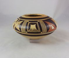 Nice old pottery jar by Nampeyo's second daughter, Nellie, 1896-1978.