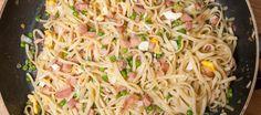 Ik heb nu eindelijk mijn recept voor een heerlijke portie bami van de Chinees gevonden.Je kunt eindeloos varieëren met dit recept door meer groenten, kip,...