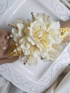 Light Champagne Ivory and Gold Prom Corsage with Matching Boutonniere READY To SHIP Prom Set Artificial Flowers by SterlingCottageShop on Etsy Gold Corsage, Prom Corsage And Boutonniere, Diy Boutonniere, Flower Corsage, Corsage Wedding, Wrist Corsage, Flower Bouquet Wedding, Corsages, Bridal Bouquets