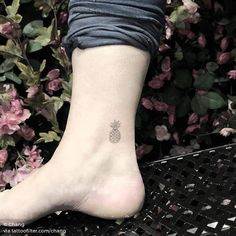 Pineapple tattoo on the ankle. Pineapple tattoo on the ankle. Pineapple tattoo on the ankle. Pineapple tattoo on the ankle. Tasteful Tattoos, Cute Tattoos, Body Art Tattoos, Small Tattoos, Tattoos For Guys, Tatoos, Simple Tattoos For Women, Ankle Tattoos For Women, 4 Tattoo