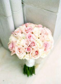 Photography : Dana Fernandez Photography Read More on SMP:… Rose Wedding Bouquet, Rose Bouquet, Wedding Flowers, Mod Wedding, Floral Wedding, Dream Wedding, Wedding Decor, Roses Photography, Cream Roses