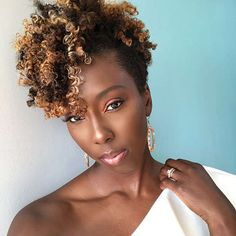 for all things natural hair + care! Cabello Afro Natural, Pelo Natural, Tapered Natural Hair, Natural Curls, Curly Hair Styles, Natural Hair Styles, Long Hair Tips, Pelo Afro, Glossy Hair
