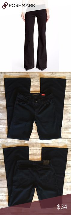 """Level 99 Newport Jeans 244110 Level 99 Newport Womens Wide Leg Jeans - Black - Size 28       Cotton Blend  Great preowned condition with minor signs of washing and wear..    MEASUREMENTS Waist:  14"""" flat across Rise:  7.5"""" Inseam: 34""""  All items I sell are 100% authentic! Buy with Confidence. Level 99 Jeans Flare & Wide Leg"""