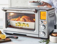 Breville's Smart Oven Air with Element IQ® is designed for the cook who desires a countertop oven that can roast for large gatherings, air-fry crispy snacks an. Convection Oven Cooking, Countertop Convection Oven, Microwave Oven, Small Oven, Camper Renovation, Small Kitchen Appliances, Kitchen Small, Oven Recipes, Cooking Utensils