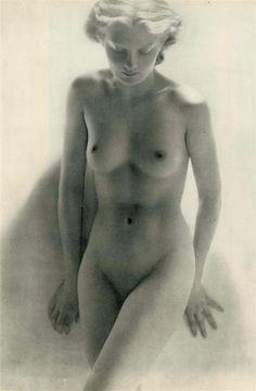 laure albin-guillot - femme nue blonde. c.1950.