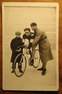 UNKNOWN TRACK SPRINTER CYCLIST    Photo card from arround 1915-1925