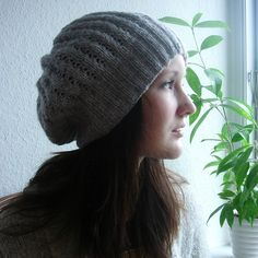 another free pattern for a slouchie knit hat, dk weight, needle size 4