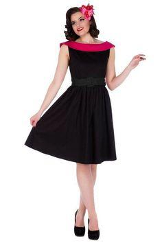 """1 350 Kč - """"Nikdo není více či méně oblečen v malých černých."""" Karl Lagerfeld Láska nejen na první pohled, ale i na první obléknutí! Klasické černé šaty Sassy s růžovým lemem, který je na zádech ukončen do V. Výrazný pásek Vám podtrhne siluetu a kolová sukně schová vše potřebné. Ať už v retro šatech Sassy vyrazíte kamkoliv, vždy budete dokonalá! Materiál:  95% bavlna, 5% elastan Údržba:  Lze prát v pračce na 30 stupňů (jemné praní). Vyvarujte se sušení v sušičce."""