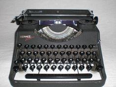 Antike mechanische Schreibmaschine Hermes Media, mechanical typewriter