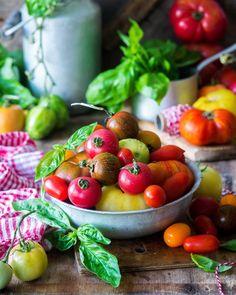 505 отметок «Нравится», 3 комментариев — Irina Meliukh (@saharisha) в Instagram: «Tomatoes // Хорошего дня! Я сегодня позволю себе немножко отдохнуть, наверное. Хотя я всегда легко…»