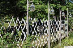 heinäseiväs,lyhty,harmaa,tee itse,piha Terrace Garden, Herb Garden, Fence Doors, Outdoor Gardens, Pergola, Herbs, Backyard, Cottage, Outdoor Structures