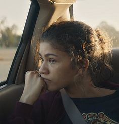 Zendaya is Rue Bennett in the pilot episode of HBO's Euphoria. Pretty People, Beautiful People, Zendaya Maree Stoermer Coleman, Zendaya Style, Idole, Hbo Series, Film Serie, Celebs, Celebrities