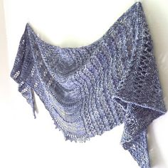 Wake shawl-downloaded-fingering 420-800 yds