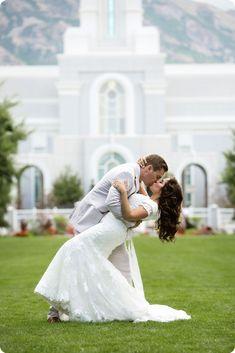 utah wedding photographer | Mount Timpanogos Temple | chelseapetersonphotography