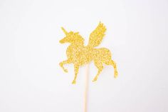 12 Glitter Unicorn Cupcake Toppers Unicorn por BackToInfinity