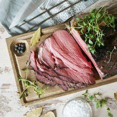 Tjälknöl - Recept - Tasteline.com Swedish Recipes, Food And Drink, Beef, Cooking, Steaks, Delicate, Tips, Creative, Meat