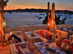 Abendausklang auf Ibiza #travel #reisen #vacation #urlaub #europe #spain #Ibiza #ibizastadt #strandurlaub #Insel #Island #summer #summerfun Spain Travel, Fair Grounds, Island, Summer, Fun, Travel, Summer Time, Summer Recipes, Spain Destinations