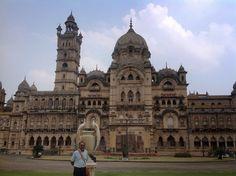 Sketches from Life: Long drive to Delhi - 38: Vadodara - i of ii