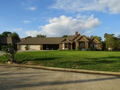 Well-built home with views of Lake Conroe available for lease for $3,000/mo. Take a look! 12521 Aries Loop, Willis, TX 77318 - HAR.com