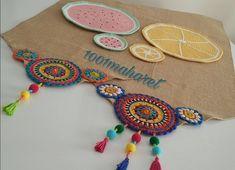 Jute Crafts Diy Crafts Burlap Table Runners Mug Rugs Crochet Home Hobbies And Crafts Pot Holders Weaving Coasters Crochet Fabric, Crochet Home, Cute Crochet, Crochet Patterns, Burlap Table Runners, Handmade Table, Penny Rugs, Jute Twine, Mug Rugs