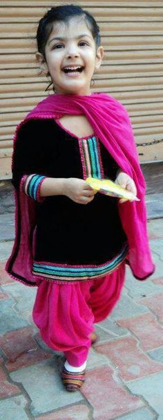 Punjaban # Rangla PUNJAB India Punjabi Dress, Punjabi Suits, Salwar Suits, Princess Outfits, Girl Outfits, Little Girl Dresses, Little Girls, Baby Dresses, Ethnic Fashion