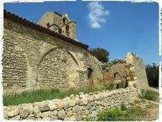 Chapelle de Jouques  Site - http://mistoulinetmistouline.eklablog.com Page Facebook - https://www.facebook.com/pages/Mistoulin-et-Mistouline-en-Provence/384825751531072?ref=hl