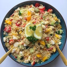 Zomerse couscous – Tasty Food SoMe recepten veganisten Tapas, Clean Eating, Healthy Eating, Confort Food, Happy Foods, Paleo Dinner, Good Healthy Recipes, I Love Food, Food Inspiration