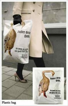 Creative Guerrilla Marketing - The Site For Guerilla Marketing, Ambient Advertising, and Unconventional Marketing Examples. Street Marketing, Viral Marketing, Shopping Bag Design, Go Shopping, Creative Advertising, Advertising Design, Guerilla Marketing Examples, Sacs Design, Creative Bag