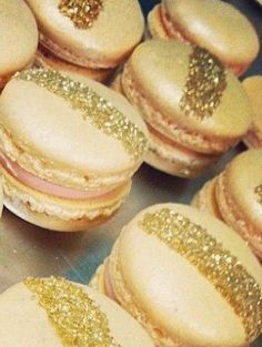 Gold macaroons, Glitter macaroons, Gold glitter macaroons gifts for guests