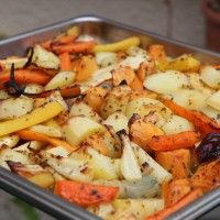 Légumes d'automne rôtis au four Oven Roasted Fall Vegetables Side Recipes, Vegetable Recipes, Vegetarian Recipes, Healthy Recipes, Vegetable Salad, Vegetable Side Dishes, Roasted Fall Vegetables, Clean Eating, Easy Cooking