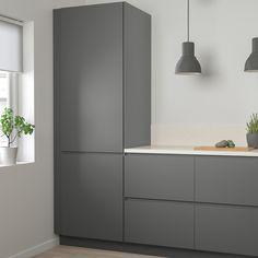 95 Luxury Large Modern White Kitchen with White Cabinets Ideas - HomeCNB Ikea Kitchen Design, Modern Kitchen Design, Kitchen Designs, Kitchen Ideas, Voxtorp Ikea, Vintage Regal, Dark Grey Kitchen, Grey Ikea Kitchen, Kitchen Cabinet Doors
