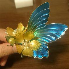 Nail Polish Jewelry, Nail Polish Flowers, Nail Polish Crafts, Wire Flowers, Kanzashi Flowers, Plastic Flowers, String Crafts, Resin Crafts, Funky Jewelry