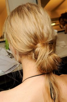 Low bun knot. No fuss pull through -- LE FASHION BLOG