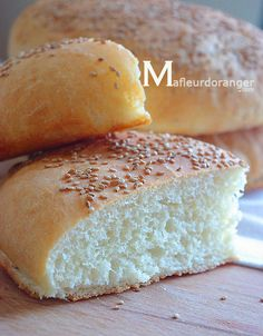 You will all agree that a good homemade bread does not get better! In Morocco, bread is cultural, we eat almost everything, we find all kinds and on all tables! Preparing bread always makes me think of my childhood, … Dairy Free Recipes, My Recipes, Dessert Recipes, Cooking Recipes, Favorite Recipes, Desserts, Algerian Recipes, Lebanese Recipes, Date Sugar Recipes