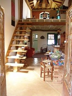 Your staircase is an important element of your home's architectural design. Rustic Staircase, Staircase Ideas, Tiny Loft, Bamboo House, Tiny House Design, My Dream Home, Future House, Farmhouse Style, Small Spaces