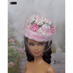 Chapeau Barbie bibi, casquette bonnet Fashion Royalty Silkstone Poppy Parker handmade by Accessoires Barbie, Poppy Parker, Doll Head, Custom Dolls, Barbie Dolls, Poppies, Royalty, Cap, Celebrities