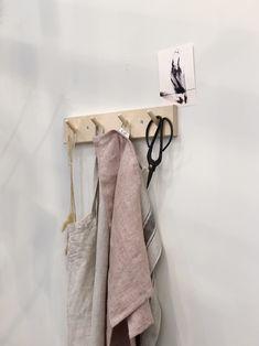 Houten kapstok met linnengoed Bathroom Hooks, Design